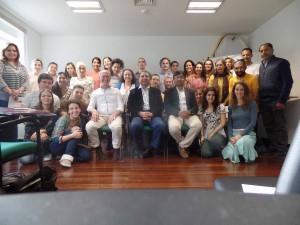 Workshop de Nutrição Ayurvédica, com os alunos e terapeutas estiveram, ao centro da direita para a esquerda, o Dr. Sachin Kotalgaonkar, Dr. Guvant Yeola, Joaquim Jorge, Marisa Mestre e o Dr. Abdul Latheef (na extremidade direita em pé).
